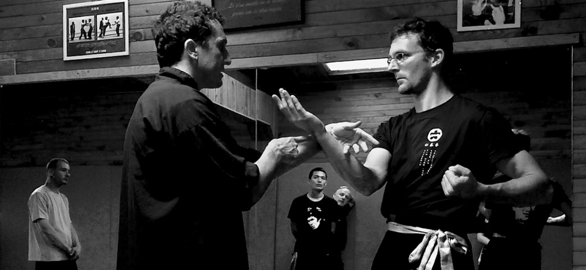 Chi-sao-simple-bras-sifu-Stephane-Serror-et-Guillaume-Casteran-stage-wing-chun-toulouse
