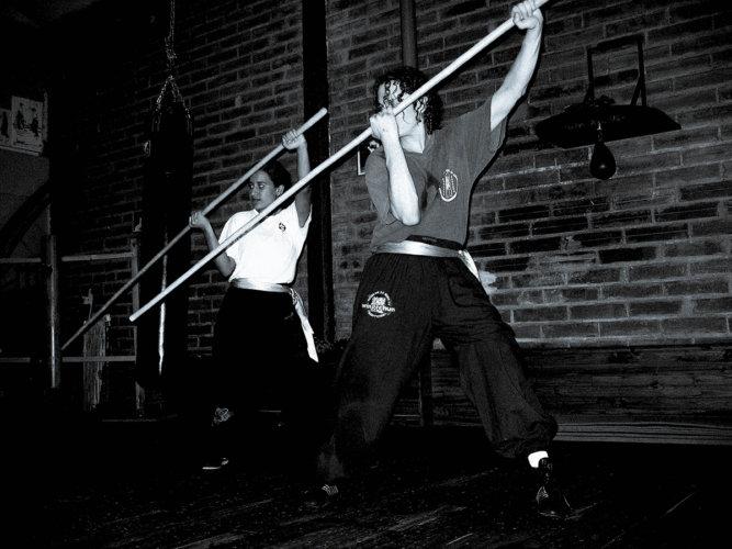 dragon-pole-duo-sifu-stephane-serror-et-paola-herrera-2006-wing-chun-kung-fu-association-yimwingchun-toulouse