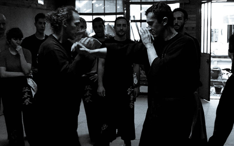 interception-en-pak-sao-inverse-par-sifu-didier-beddar-2017-wing-chun-kung-fu-toulouse-association-yimwingchun