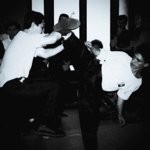 jambe-arc-retour-par-sifu-didier-beddar-et-le-maitre-william-cheung-paris-1990-wing-chun-kung-fu-legende-adwct-stephane-serror-stage